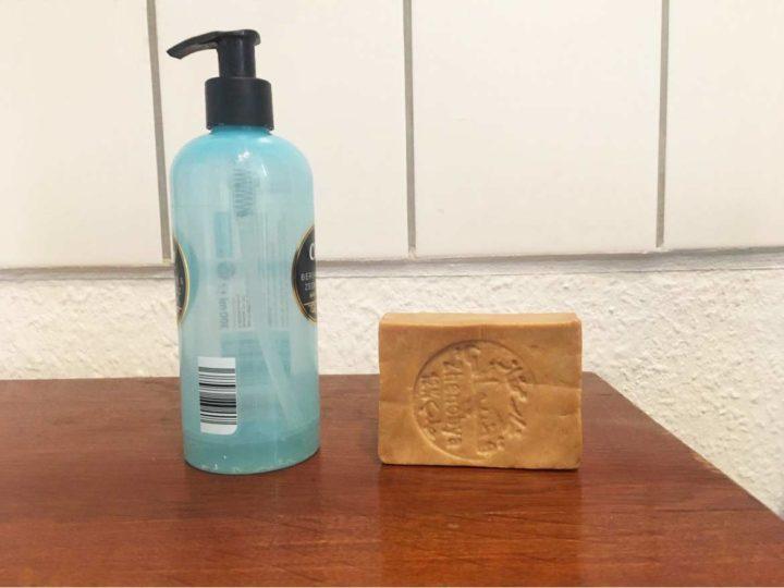 Feste Seife vs. Flüssigseife: Wo liegt der Unterschied?
