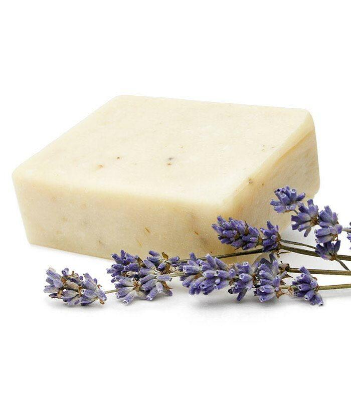 Haare waschen mit Haarseife, natürlich und ohne Mikroplastik, beruhigender Duft Lavendel